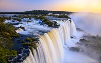 Collection\Msft\Landscapes: Iguazu-Falls-Argentina-and-Brazil